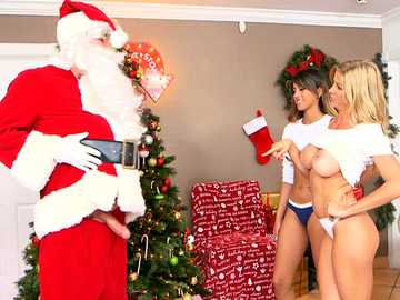 Lucky Santa gets his dick sucked by Alexis Fawx and Sophia Leone