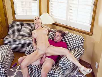 High-heeled blonde with big jugs Synthia Fixx comes for bachelor party and fucks a guy