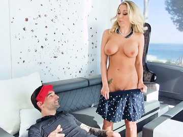 Peeping On Katie Morgan