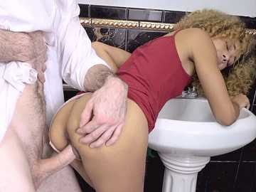 Xianna Hill: Tip Your Waiter With Sex