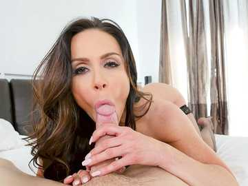 Busty MILF Kendra Lust's biggest sexual fantasy has finally come true