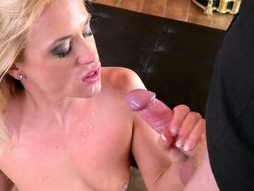 Sweet thing Vinna Reed forgets about a piano lesson and gives her teacher a blowjob