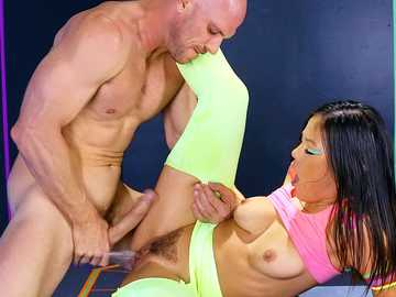 Asian girl Kendra Spade gives her bushy pussy to athletic Johnny Sins