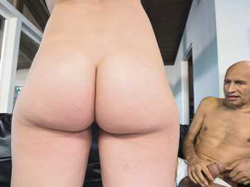 Chick Joseline Kelly accidentally gets acquainted with owner of monster cock
