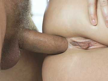Ukrainian blonde angelface Angelika Grays makes anal love to Ian Scott
