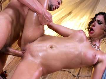 Ashley Adams delivers nice fuck to big-dicked desert survivor Erik Everhard