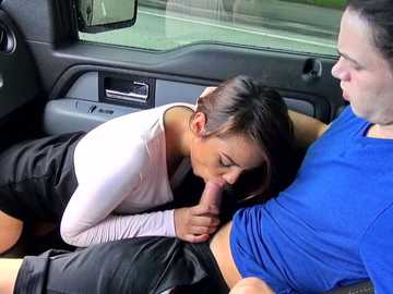 Nasty chick Zoey Velez swallows enormous dong of job applicant in the car