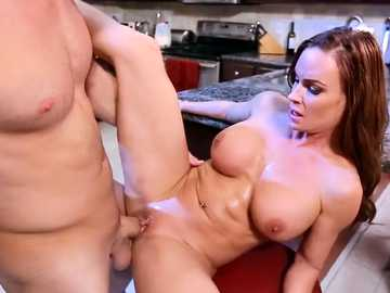 Busty MILF Diamond Foxxx got her sweet pussy lips pounded in the kitchen