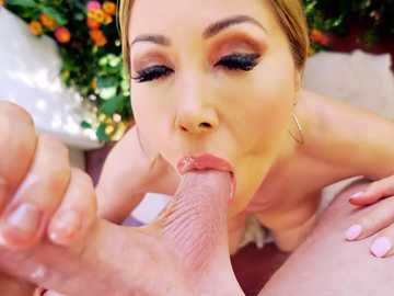 Big ass blonde Kianna Dior gives nice tit-fuck and oral job POV style