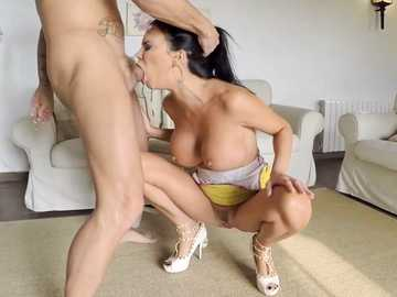 Super busty slut Jasmine Jae seduces Nacho Vidal with her deepthroat technique