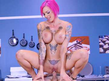 Busty fake doll Anna Bell Peaks gets her big bald pussy ridden by huge burrito