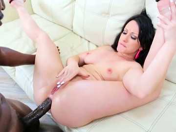 Beastly black dude Lexington Steel positions his cock inside Jennifer White's bottom