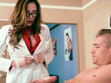 Doctor Ariella Ferrera takes care of big Xander's cock in medical gloves