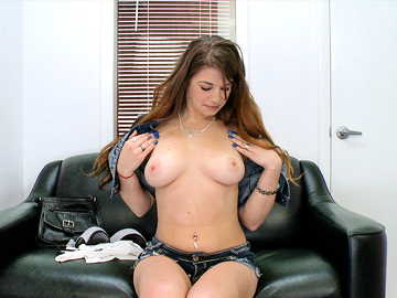 New amateur hottie Pocahontas Jones does her first porno, shows her amazing tits