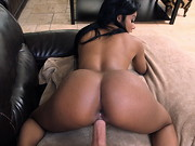 Big Mouthfuls is back son!!!! This time we have fresh meat, Aaliyah Grey, joining us for her ...