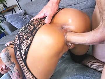 Woman with tattooed ass cheeks Bella Bellz gets her ass hole lubed and fucked doggy style