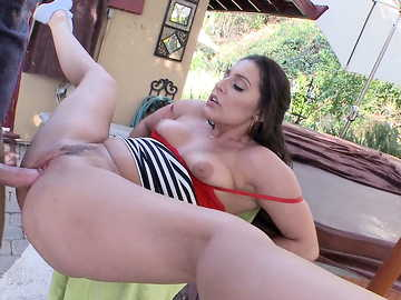 Gracie Glam: Big booty white girl fucked outdoors