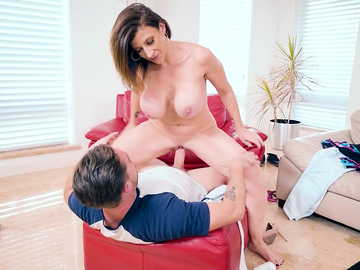MILF in trouble is an easy prey for pussy fucking maniac scene by Sara Jay