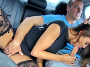 Street whore Bobbi Rydell blowing a fat dick in the back seat